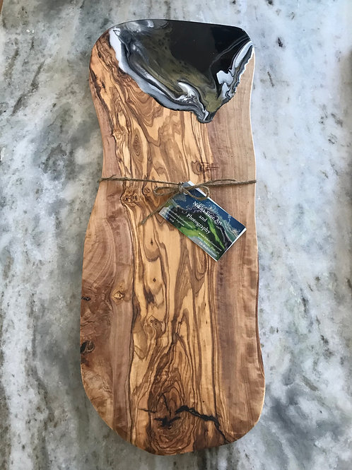 X-large Oval cheese/charcuterie board. Made with Exotic Olive Wood. (OL-04)