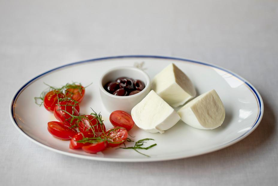 Buffalo Mozzarella with Datterino Tomato and Black Olives