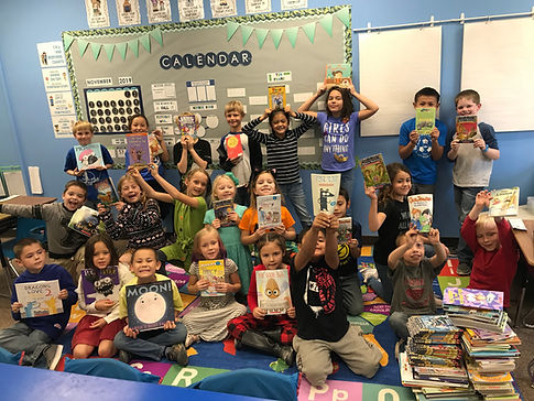 Ms. Stromberg's 2nd graders with books.j