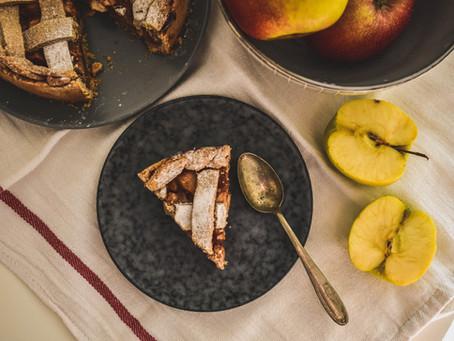 Celozrnný jablečný pie z ječné mouky