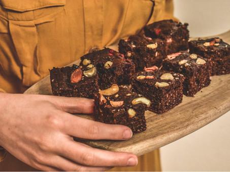 Čokoládový koláč s tvarohem a mletými vločkami