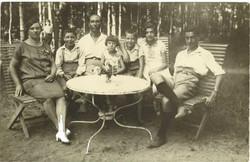 Sara,_David,_Mendel,_Rachel,_Daniel,_Mary_ja_Hirsch_Wardi_(Waprinsky)_Tyrisevä_1929