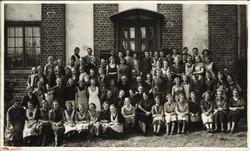 Meyer_Steinbockin_omistama_Viipurin_Lakkitehdas_henkilökuntineen._Tienhaara_19.4.1937.
