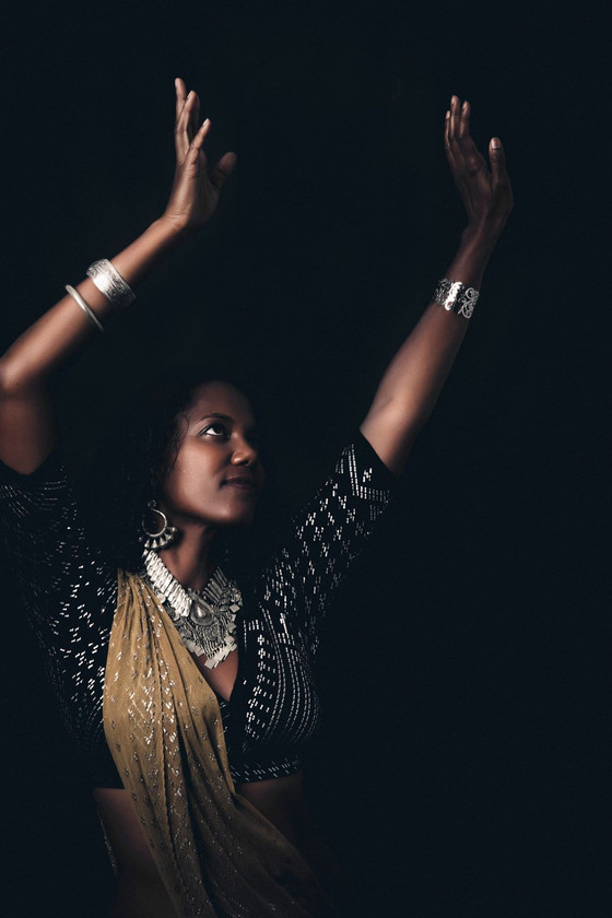 La danse orientale : Une Belle façon d'accompagner les Femmes portant la vie