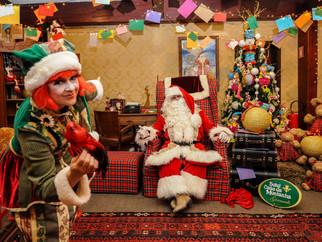 Chegar em um quarto que mais parece a casa do Papai Noel e receber uma ligação do Bom Velhinho? Pode