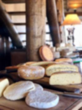 Mesa de queijos coloniais