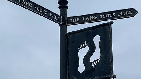 The Lang Scots Mile sign.jpg