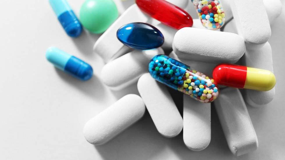 Vitamine und Pillen