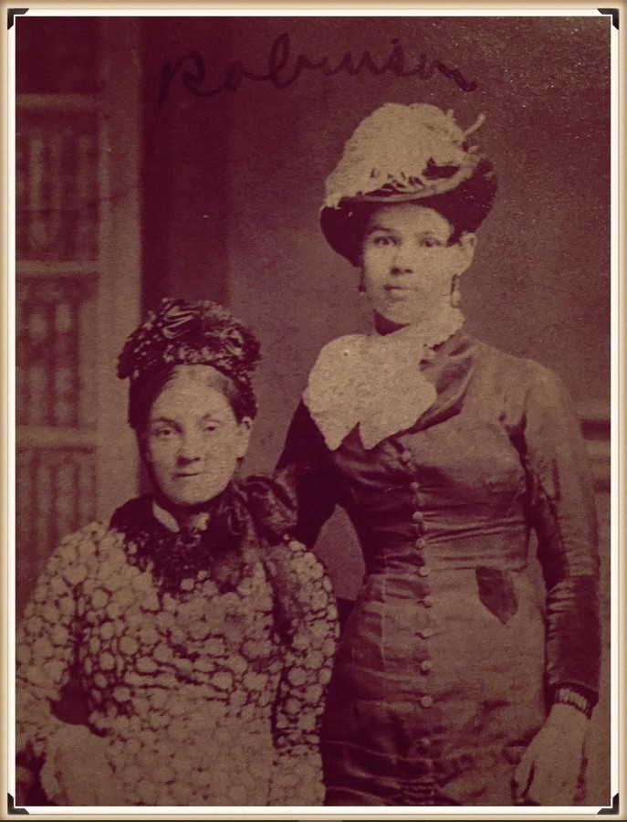 Aunt Lilly and Emma Griffith Robinson possibly