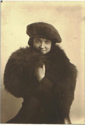 Emma Dickinson 1919