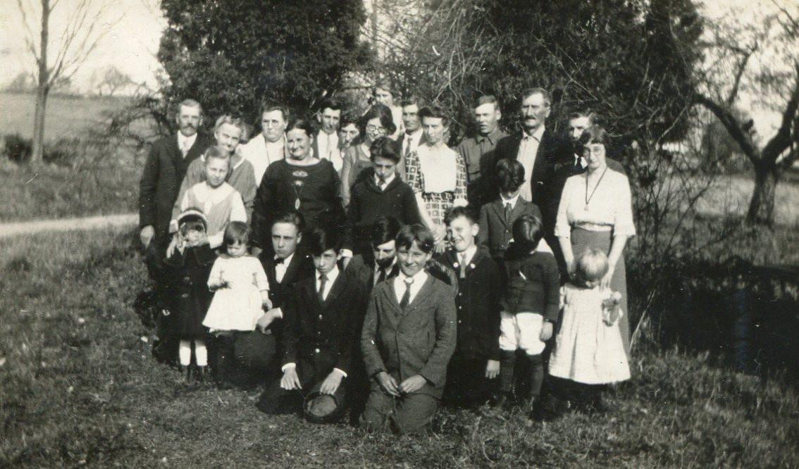 Oscar Mayo family photo c1922