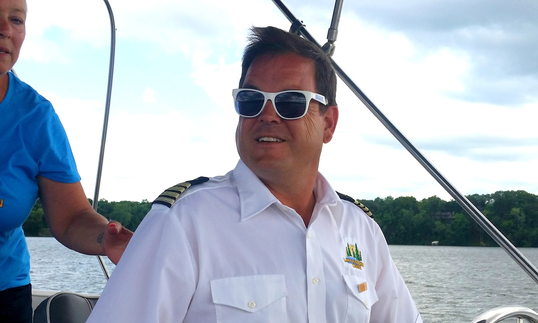 Lake Wisconsin Cruises Captian Rob