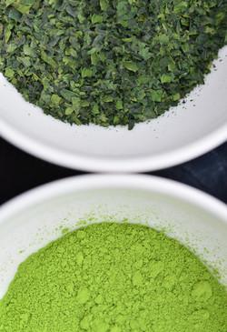 碾茶と抹茶