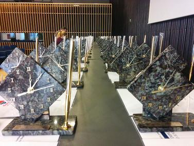 Premii personalizate unicat Ceas pentru birou din piatra naturala