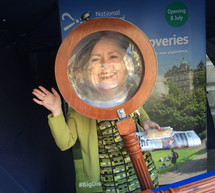 NMOS campaign 2016 magnifier selfie.jpg