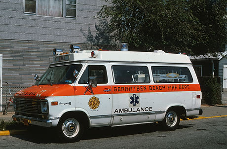 ny_nyc_gerritsen_beach_retired_ambulance_3-1.jpg