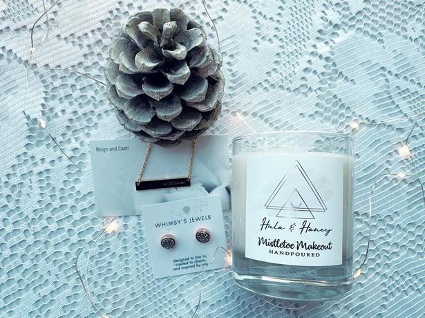 Mistletoe Makeout