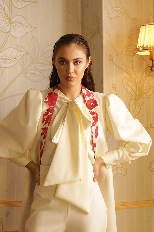 White Crêpe Sleeveless Jacket With Red Floral Lining