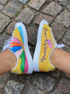 Custom sneakers - Awesomeness insidor