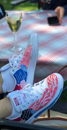 Custom sneakers Shellseeker miljöbild
