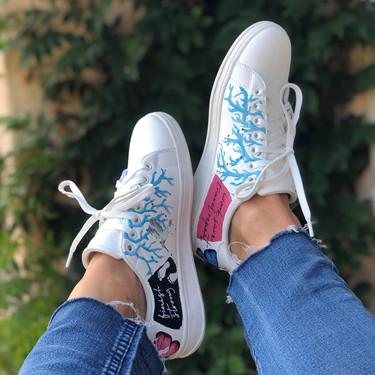Custom sneakers - Branches and butterflies - blå grenar