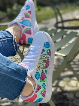 Custom sneakers - Elsas skor profil naglar