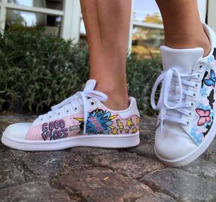 Custom sneaker Pop art Good vibes