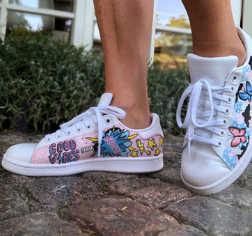 Custom sneaker Pop art Good vibes