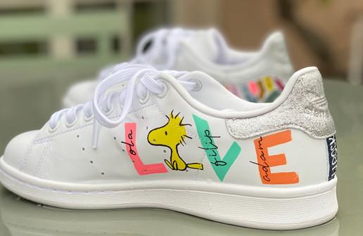 Custom sneaker Glowgetter Woodstock