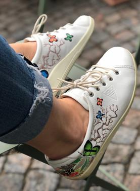 Custom sneakers When Harry met Sally miljöbild
