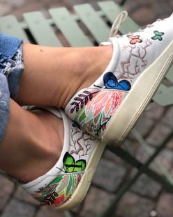 Custom sneakers When Harry met Sally fjärilar