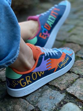 Custom sneakers - Love all Grow