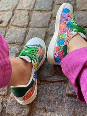 Custom sneakers - Shell & flower bonanza bakifrån