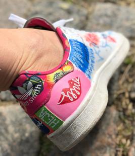 Custom sneaker Heja dej! smile