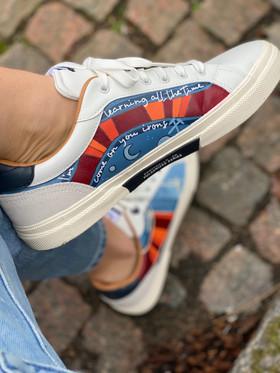 Custom sneakers - Dr Who vä porträtt
