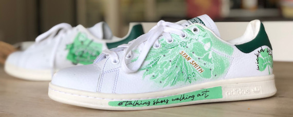Custom sneaker Sculls and snakes green scull
