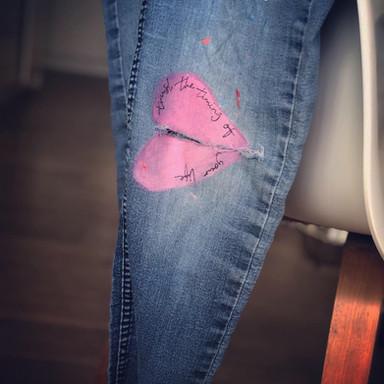 Jeans brustet hjärta