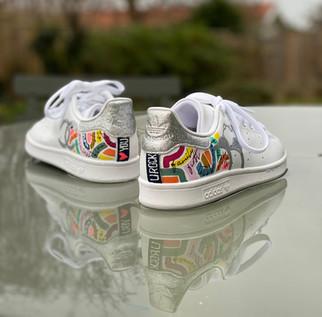 Custom sneaker Glowgetter hälparti