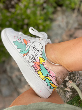 Custom sneakers - Who let tthe dogs out höger insida