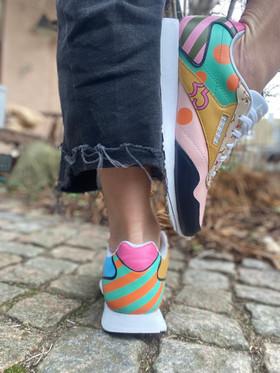 Custom sneakers - Epic shit ett ben rosa