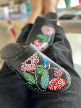 Custom clogs - Peacock closeup