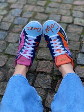 Custom sneakers - Love all tolerance