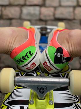 Custom sneakers - Sk8 4 life hälar