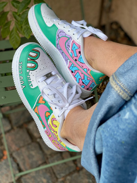 Custom sneakers - like what you do profil