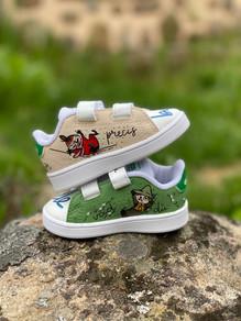 Custom sneakers - baby Olle profile my stående