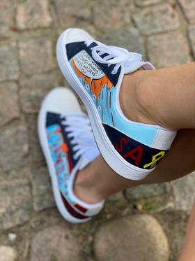 Custom sneakers - He-Man höger profil