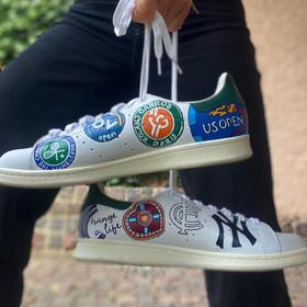 Custom sneakers - Stuart land i hand 2