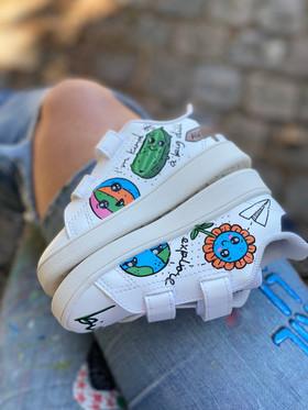Custom sneakers - Tvillingarna Sigge blommor
