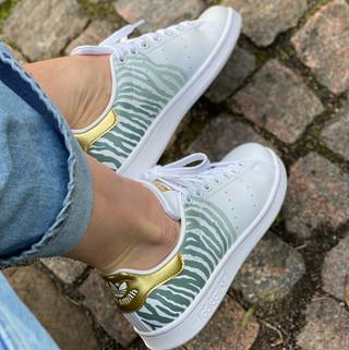 Custom sneakers - Zebra love profil 2