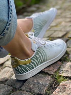 Custom sneakers - Zebra love profile